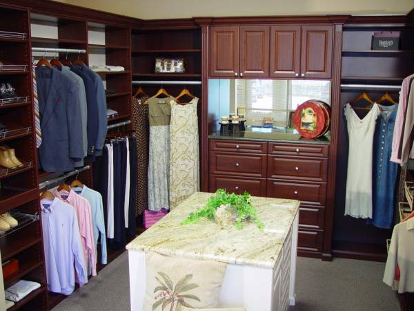 A Master Closet Designs